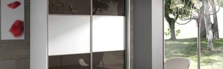 Armarios melamina puerta de cristal madrid artama decora for Puertas correderas de cristal para armarios