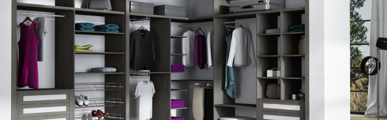 Interiores de armarios, todo perfectamente ordenado
