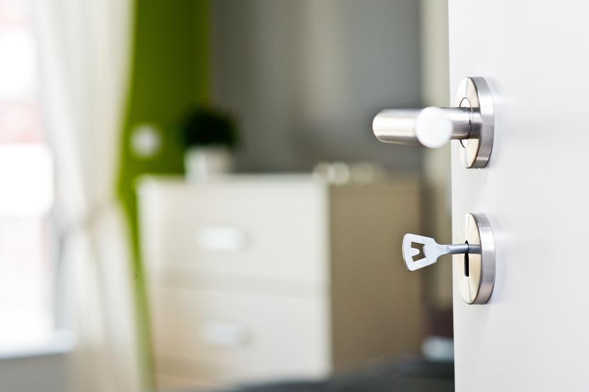 puertas de seguridad en pozuelo